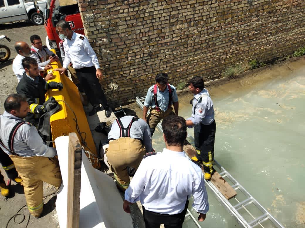 سقوط مرد ۳۵ ساله در کانال